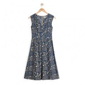 nice kleid 4 blau bügel